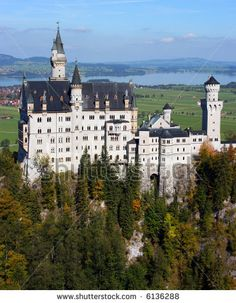 Famous Castles In Germany | Famous Neuschwanstein castle in autumn on a clear sunny day, Bavaria ...