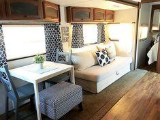 Camper Interior Design, Campervan Interior, Interior Exterior, Interior Ideas, Modern Interior, Rv Travel Trailers, Travel Trailer Remodel, Camper Beds, Diy Camper
