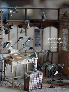 By petipetit ♡ ♡ Vitrine Miniature, Miniature Rooms, Miniature Crafts, Miniature Houses, Miniature Furniture, Dollhouse Furniture, Minis, Tiny World, Modern Dollhouse