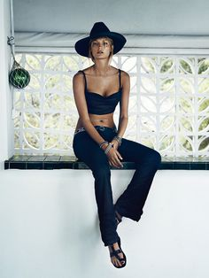 Elle fashion magazine lisa lindqwister lundlund lund lund oracle fox black outfit mesh dress