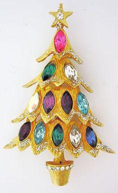 VINTAGE Hattie Carnegie CHRISTMAS TREE PIN RHINESTONE
