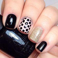Negro y oro Diseño de uñas para uñas cortas