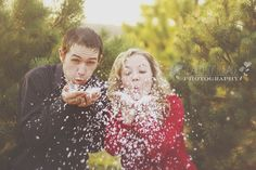 Beauty of Grace Photography: Jeff & Niki Hahn //Christmas Mini    CONTEST FOR A FREE SESSION CAN BE FOUND HERE AS WELL!