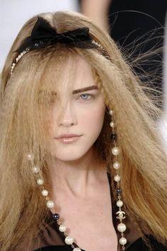 mariacarlabosscono: Vlada Roslyakova at Chanel Fall 2007 Dali, Vlada Roslyakova, Glam Hair, Beautiful Long Hair, Classy And Fabulous, Mannequins, Fashion Details, Style Fashion, Coco Chanel