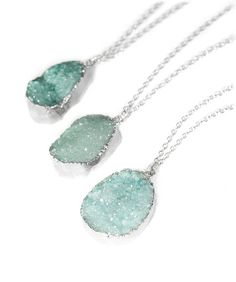 ♥ A beautiful, sparkly pastel turquoise druzy necklace. A vintage silver chain with a semi-precious quartz pendant. This makes a beautiful gift!  ♥ The crystal stone is left with the raw crystal form and the stone is silver dipped, leaving a beautiful silver sheen edge.  ♥ I pick quality stones so every necklace gets a beautiful sparkly stone but each crystal is unique so may differ slightly in colour, size and shape. Please select the necklace drop length you require. If you require a…