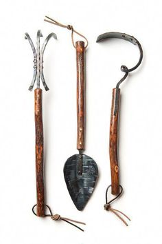 BOXHILL's heirloom hickory garden tools are everything you will need for the planting season! Each tool is individually built, using traditional black… - All For Garden Flash Tattoos, Garden Tool Storage, Garden Tool Set, Tips And Tricks, Gardening For Beginners, Gardening Tools, Best Garden Tools, Yard Tools, Outdoor Pots