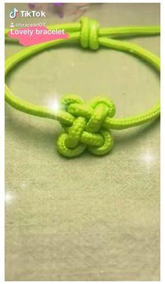 Slip Knot Bracelets, Diy Bracelets Easy, Bracelet Knots, Handmade Bracelets, Shoelace Bracelet, Lanyard Knot, Knotted Bracelet, Celtic Bracelet, Jewelry Knots