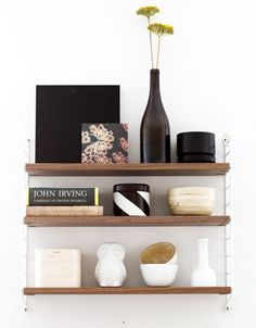 string_pocket_shelf_white_walnut