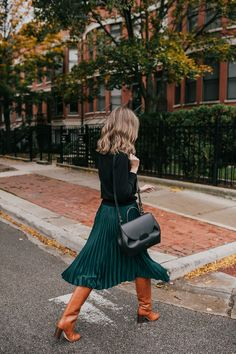 green skirt how to wear for the holidays - See (Anna) Jane. Green Skirt Outfits, Midi Skirt Outfit, Work Fashion, Skirt Fashion, Emo Fashion, Modest Fashion, Black Pleated Midi Skirt, Midi Skirts, Jean Skirts