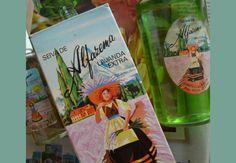 Já a Seiva de Alfazema esteve em praticamente todas as casas do Brasil nos anos 80 e 90 – e ainda vive. | 33 memórias de beleza que só as adolescentes dos anos 80 e 90 conhecem