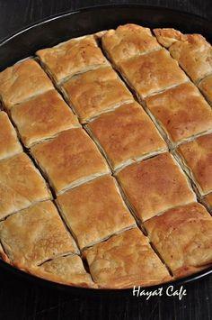 elde börek Fast Easy Dinner, Fast Dinner Recipes, Fast Dinners, Easy Meals, Pie Recipes, Dessert Recipes, Desserts, Pastry And Bakery, Turkish Recipes