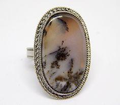 Аnello con agata dendritica, anello con paesaggio naturale, anello bianco nero, anello con pietra gemma di HELGASHOP su Etsy