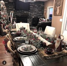 27 Beautiful Christmas Kitchen Decor Ideas And Makeover. If you are looking for Christmas Kitchen Decor Ideas And Makeover, You come to the right place. Here are the Christmas Kitchen Decor Ideas And. Christmas Lodge, Farmhouse Christmas Decor, Christmas Kitchen, Rustic Christmas, Farmhouse Decor, Farmhouse Style, English Christmas, Diy Christmas, Christmas Table Settings