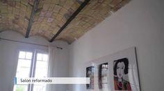 La #reforma integral en la vivienda situada en la calle Pere Serafí de #Barcelona supuso un gran trabajo de rehabilitación y restauración. Mientras el piso se adecuaba para una correcta habitabilidad, acorde con los tiempos actuales, también se mantuvieron elementos originales como el techo de ladrillo visto del salón. Por otro lado, la #cocina y el cuarto de baño se equiparon totalmente, convirtiendo un inmueble con muchas carencias en un piso con mucho carisma. #interiorismo