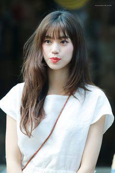 """우유milk. on Twitter: """"190823 뮤직뱅크 출근   #김도연 #도연 #위키미키 #Doyeon #wekimeki @wekimeki… """" South Korean Girls, Korean Girl Groups, Baby Park, Kim Doyeon, Elegant Wedding Hair, Cosmic Girls, Woman Crush, Korean Singer, Hair Inspo"""