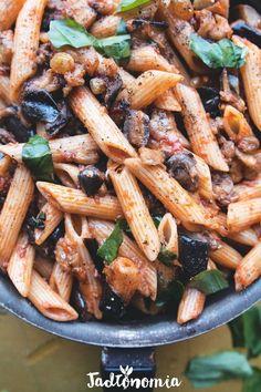 Penne z bakłażanem Vegan Vegetarian, Vegetarian Recipes, Healthy Recipes, Vegan Food, Asparagus, Broccoli, Eggplant Zucchini, Penne, Kitchen Recipes