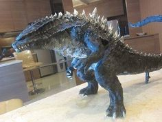 Awesome Godzilla 2014 Fan Art Sculpture: That's right! A fan made this! Creature Feature, Creature Design, Legendary Pictures, Famous Monsters, Classic Monsters, King Kong, Fantasy Creatures, Sculpture Art, Beast