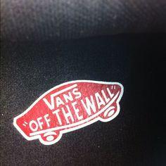 Foto conmarca Vans - http://www.vans.es   #conmarca #marca #marcas #brand #brands #brandname #logo #lovemark #lovemarks