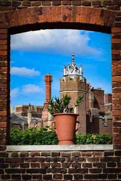 Hampton Court, South West London London Boroughs, Hampton Court, West London, The Hamptons, Big Ben, Paths, Palace, England, Explore