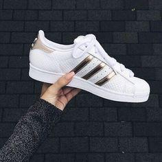 // @lalove.ly // Women Adidas Superstar White Copper Rose Gold Shell Toe Yeezy Snakeskin S79416