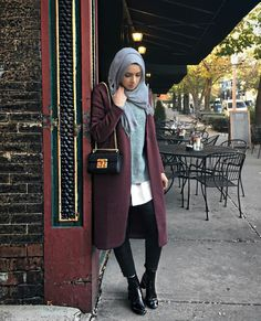 maroon-long-winter-coat-with-grey-outfit- Winter hijab trends www. Arab Fashion, Islamic Fashion, Muslim Fashion, Modest Fashion, Winter Outfits Women, Winter Fashion Outfits, Fashion Wear, Outfit Winter, Hijab Trends