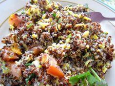 SUPERFOOD! Delicious Quinoa Egg Scramble Breakfast. #recipe