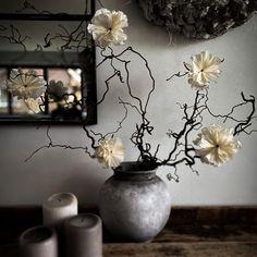 """DIY, Deko, Garten & Mee(h)r on Instagram: """"꧁[ᗪIY ᗰOᕼᑎᗷᒪᑌᗰᗴᑎ]꧂ Habt ihr auch so einen Janker auf frische Blumen? Dann machen wir uns doch einfach schnell selber welche. Hier für…"""" Instagram Accounts, Vase, Home Decor, Garten, Fresh Flowers, Simple, Decoration Home, Room Decor, Jars"""