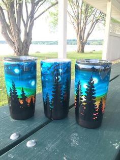 Night sky or Northern Light tumbler Diy Tumblers, Custom Tumblers, Glitter Tumblers, Tasse Thermos, Tumbler Cups, Tumbler Stuff, Mom Tumbler, Coffee Tumbler, Epoxy