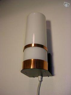 Valinte sconce (acrylic, brass).