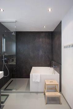 salle de bain beton cire, quel revetement mur salle de bain poser