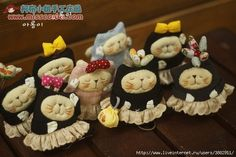 How to sew a primitive toy cat, kittens, cat. Pattern cats, cat / Master Class - lots of cat patterns = scroll down. Couldn't get in English, but simple pattern - cute cats Cat Crafts, Diy And Crafts, Frame Purse, Lots Of Cats, Key Covers, Toy 2, Doll Quilt, Sewing Dolls, Sewing Pillows