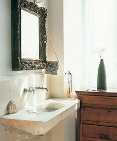 Gorgeous basin and mirror, love the chest of drawers also.