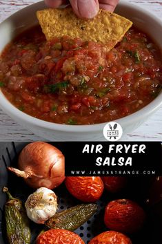 Recipe for roasted salsa made in the air fryer. A very simple roasted salsa recipe cooked in an air fryer. Air Fryer Recipes Snacks, Air Fryer Recipes Low Carb, Air Frier Recipes, Air Fryer Dinner Recipes, Pan Dulce, Quiches, Biscotti, Roasted Salsa Recipe, Filet Mignon Chorizo