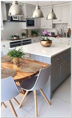 Kitchen Cupboards - Pictures of Beautiful Outdoor Living Rooms and Kitchens - Kitchen Furniture Pin Kitchen Interior, New Kitchen, Home Interior Design, Kitchen Dining, Kitchen Decor, Kitchen Furniture, Bathroom Interior, Outdoor Living Rooms, Modern Bathroom Decor