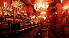 Le Boudoir - Z= tiny french eclectic bar on Hollywood Rd, coctails not so good but atmosphere is very good. nice place to visit
