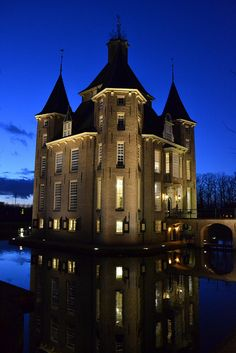 I'm Dutch, so I 'm sure I can stay here sometime.....Castle, Houten, Netherlands