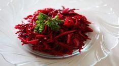 A világ legfinomabb céklasalátája! Mostanában minden étel mellé ezt esszük! - Ketkes.com Salad Recipes, Vegan Recipes, Cooking Recipes, Seaweed Salad, Meal Planning, Cabbage, Food And Drink, Healthy Eating, Vegetarian