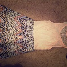 Cute dress Spring/summer dress. In great condition. Only worn once. Dresses Midi