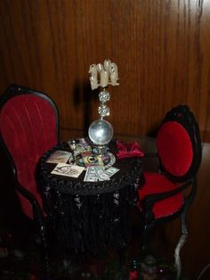Have a fortune telling table or booth for fun & photos Gothic Dolls, Victorian Dolls, Haunted Dollhouse, Dollhouse Miniatures, Dollhouse Ideas, Scary Halloween Decorations, Halloween Themes, Halloween House, Fall Halloween