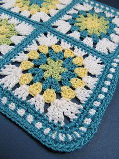Simple flower crochet pattern | blanket or rug