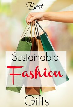 Best sustainable fashion gift ideas for women. Gift guide for a woman who loves ethical fashion or eco-friendly fashion and jewelry. If you don't know what to give, these are easy ideas for presents that any fashionista would lover. Womens Clothing Stores, Clothes For Women, Fashion Quotes, Fashion Tips, Fashion Quiz, 80s Fashion, Fashion Wear, Slow Fashion, Korean Fashion