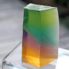 宝石石けんと透明石けんグラデーションの違い|新潟 手作り石鹸の作り方教室 アロマセラピーのやさしい時間