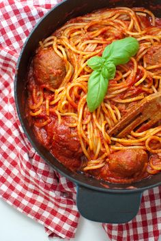 """L'amaranto e il melograno: Spaghetti alla """"Lilli e il vagabondo"""""""