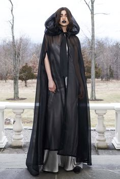 Three Gothic Fashion Tips That You Should Use – Angels and Demons Dresses For Teens, Trendy Dresses, Nice Dresses, Casual Dresses, Ladies Dresses, White Fashion, Gothic Fashion, Ghost Fashion, Fall Fashion Trends