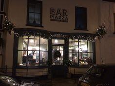 Natale, Bar piazza, Caerleon