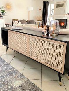 Diy Furniture Renovation, Hall Furniture, Furniture Makeover, Furniture Design, Retro Sideboard, Home Decoracion, Rustic Room, Diy Cabinets, Dining Room Design