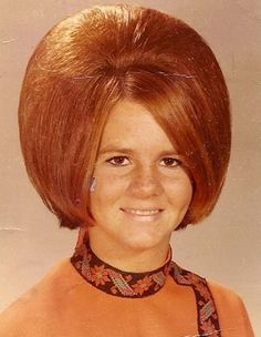 A bouffant is a type of hairstyle characterized by hair raised high on the head and usually covering the ears or hanging down on the sides.The modern bouffant, Teen Girl Hairstyles, 50s Hairstyles, Great Hairstyles, Vintage Hairstyles, Female Hairstyles, Beautiful Hairstyles, Updo Hairstyle, Wedding Hairstyles, One Hair
