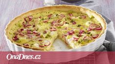 Quiche je tradiční francouzský slaný koláč. Jeho příprava je jednoduchá a navíc ho můžete vyzkoušet téměř s jakoukoli náplní. Teď aktuálně třeba s ředkvičkami. Quiche, Pizza, Breakfast, Food, Morning Coffee, Essen, Quiches, Meals, Yemek