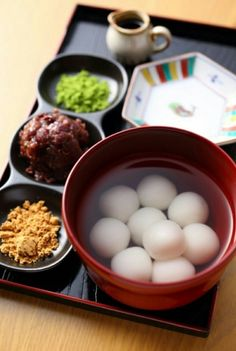 Shiratama dango白玉だんご - January 07 2019 at - Foods and Inspiration - Yummy Sweet Meals - Comfort Foods Recipe Ideas - And Kitchen Motivation - Delicious Cakes - Food Addiction Pictures - Decadent Lifestyle Choices Asian Desserts, Asian Recipes, Sweet Recipes, Real Food Recipes, Japanese Snacks, Japanese Sweets, Japanese Food, Japanese Matcha, Cute Food