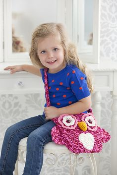 Free pattern Ravelry: Wise Owl Tote Bag pattern by Michele Wilcox